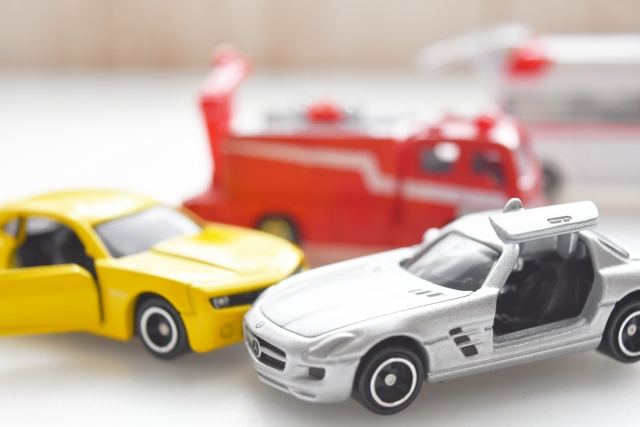 事故でぶつけられた車は修理か買い替えか