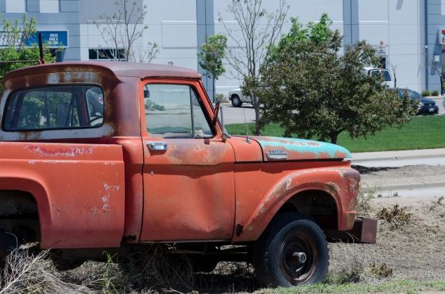 放置された車の廃車
